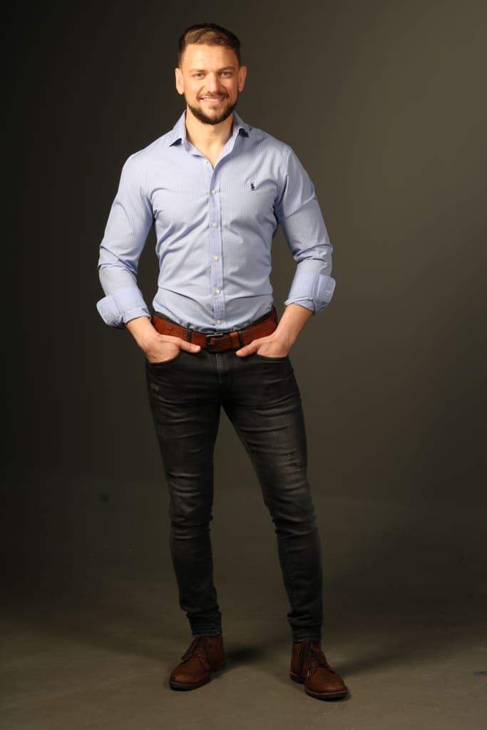 Modelo Masculino para publicidade e TV - Valente Produções